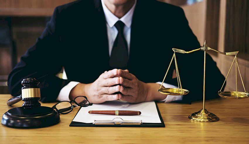 https://loreblogs.com/wp-content/uploads/2020/07/Choosing-the-Right-Criminal-Lawyer-For-Your-Case.jpg